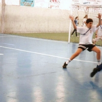 escuela-con-campo-de-deporte.jpg